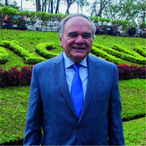 Foto Dr.Morales UCR